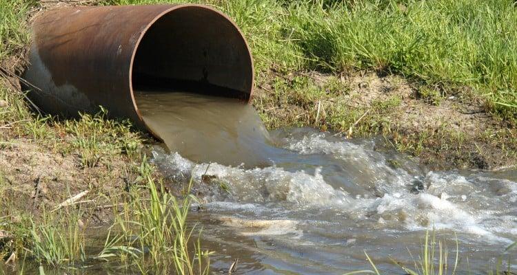Las Aguas Residuales de origen urbano se producen a partir de residuos orgánicos, residuos domésticos y comerciales, arrastres de lluvia e infiltraciones.